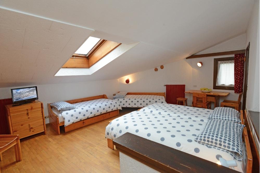 Apartments chalet cotril bormio for B b meuble dante bormio