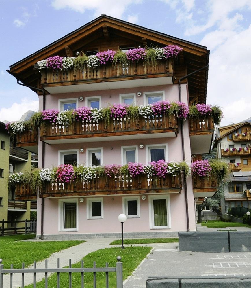 Appartamenti residence paola bormio for Appartamenti bormio