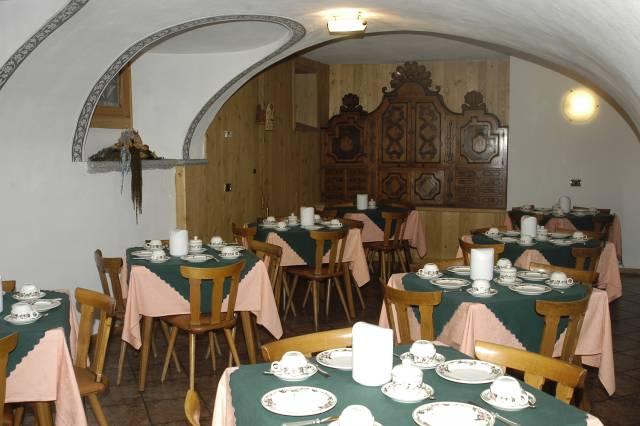Meubl della contea bormio for Hotel meuble bormio